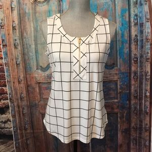 Like new condition black and white blouse